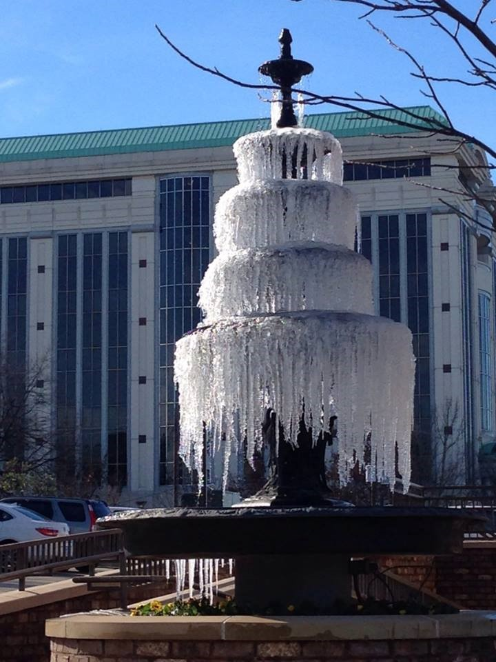 montgomery-fountain-of-ice