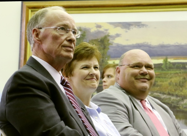Gov. Robert Bentley announces $2 million in FEMA mitigation funds will be made available to the City of Elba due to the December 2016 floods, on Tuesday, June 21, 2016, in Elba, Ala. The money will be used to acquire and/or demolish homes that historically have sustained consistent flood damage in recent decades. Alabama Emergency Management Agency Director Art Faulkner (AEMA) and FEMA Federal Coordinating Officer Libby Turner joined Gov. Bentley for the announcement. Coffee County is one of several counties who received federal funds for public assistance following the December 2015 floods. FEMA is providing Alabama approximately $4.7 million in Hazard Mitigation Grant Program (HMGP) funds to mitigate the effects of future disasters. (Governor's Office, Jamie Martin)